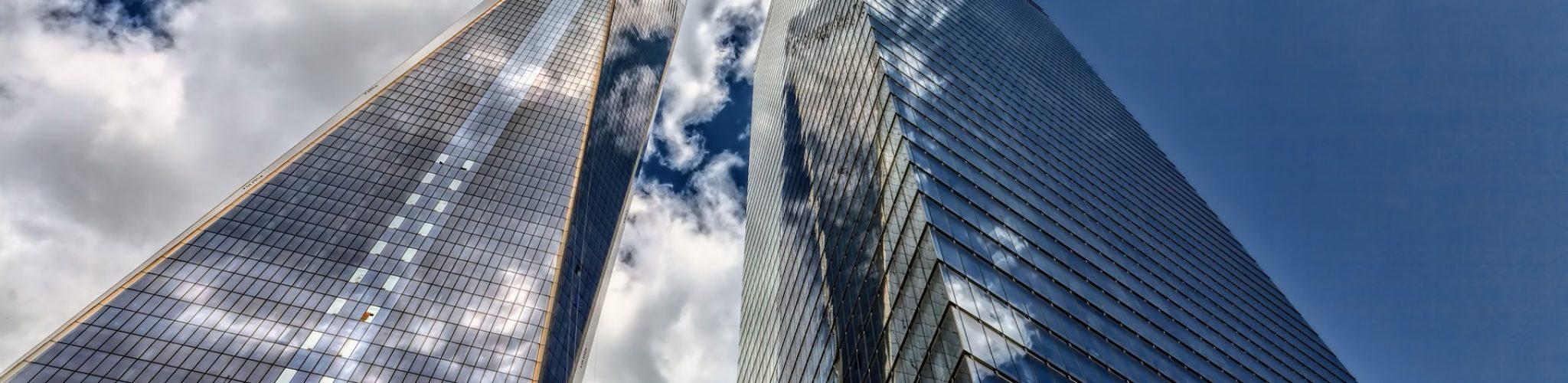skyscraper-3094696_1920